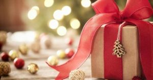Take it Down a Notch This Christmas - The Magic of Minimalism
