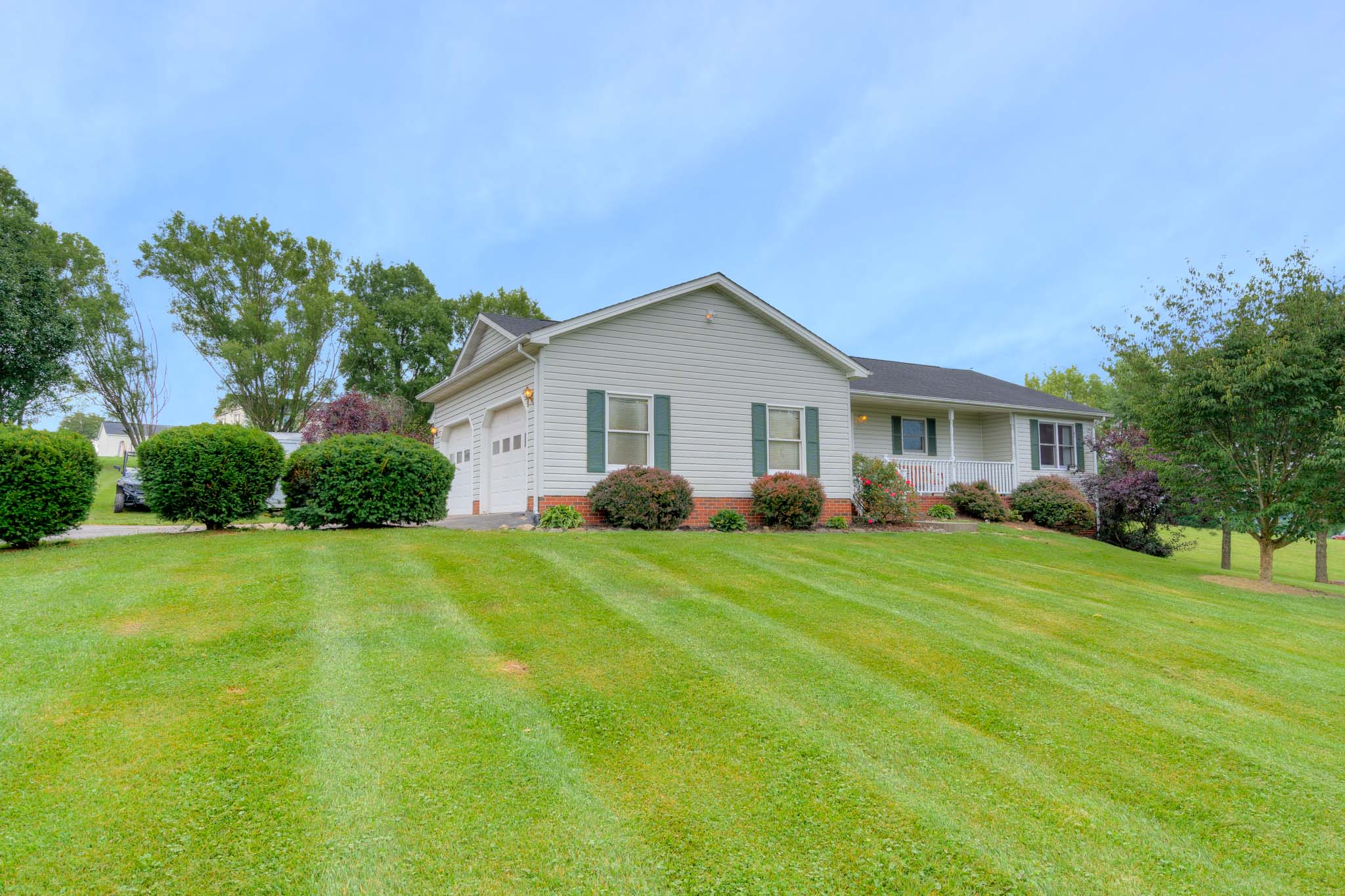 1445 West View Dr Christiansburg VA Beautiful Ranch Home in Serene